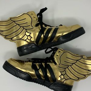 Jeremy Scott x Adidas Wings 2.0 Gold Sz8 Like new